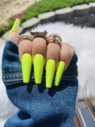 26+ Awesome Thanksgiving Nails With Yellow Color To Try Now