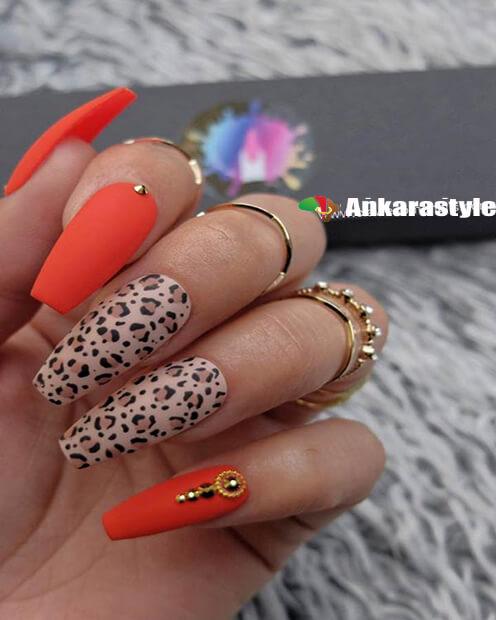 Stylish Leopard Nail Print
