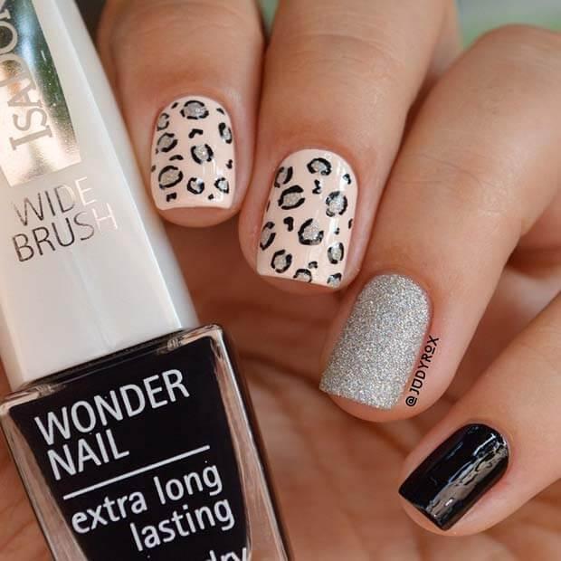 Cute Leopard Manicure