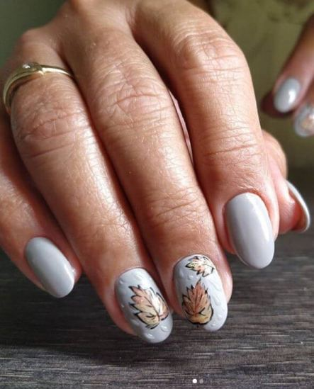 Autumn Manicure winter nail art design is often the right autumn accessory