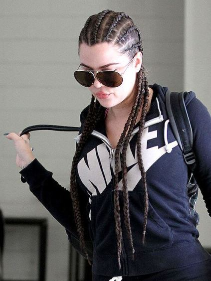 2. Feed In Braids on White Girl