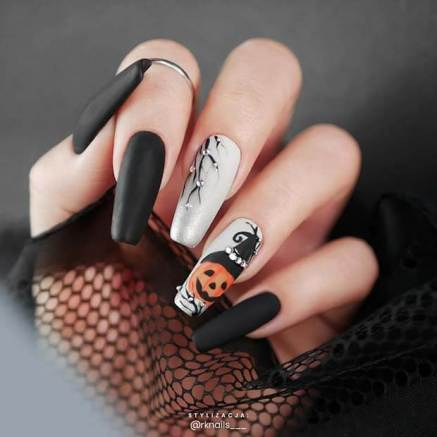 Fun and Creepy Nails for Halloween