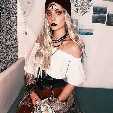 20+ Perfect Gypsy Halloween Costumes To Copy In 2020