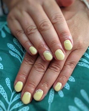 Hybrid Manicure with Decoration