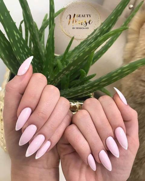 18. Matte Manicure for Autumn That Are Awesome Nail Art 2021 Trends