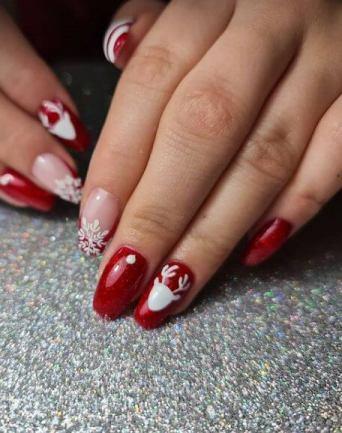 39 Festive Christmas Nail Designs 2021 - Christmas Nail Art Ideas