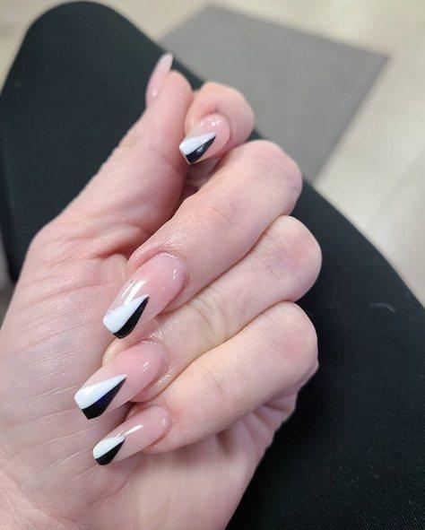 Elegant Geometric Manicure