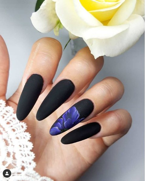 Black Nails With Flowers