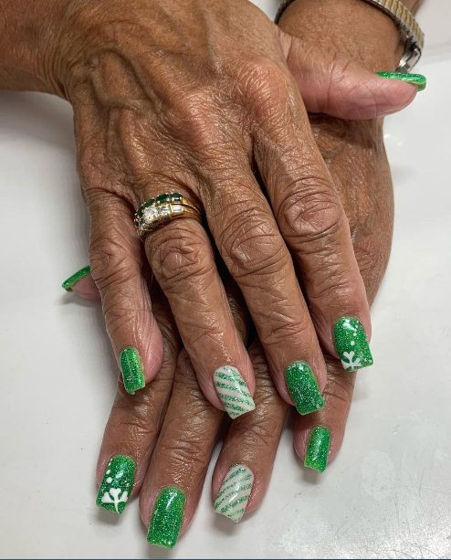 2. St Patrick Day Nails Designs