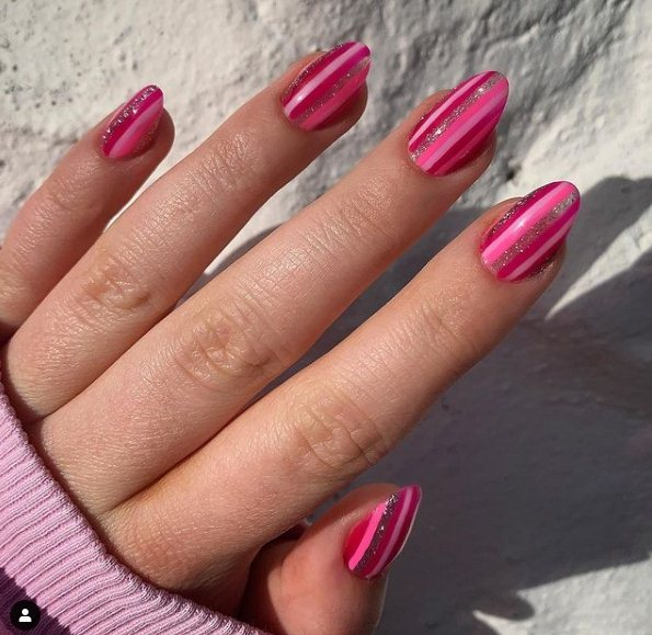 Striped almond nails