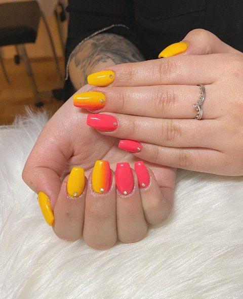 6. Beach Summer Nail Designs