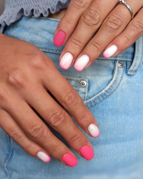 Gradient pink manicure