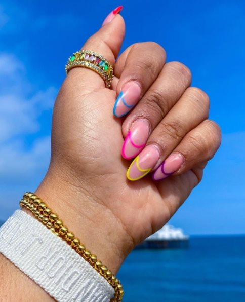 Simple Graduation Nails