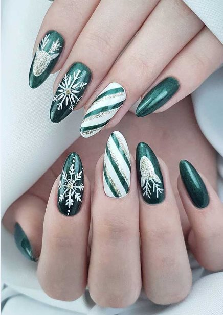 26+ Unique Green Nails Ideas 2021 Perfect To Copy Now