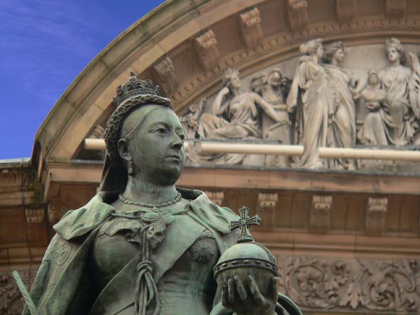 Foto einer Statue von Queen Viktoria