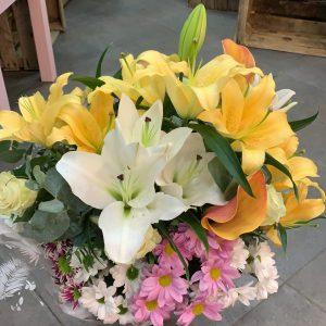 001 ramo de flor lilium y margaritas