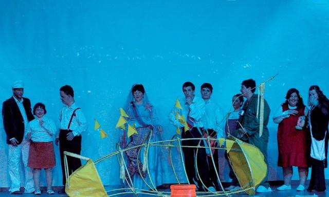 """από την παράσταση """"το κίτρινο υποβρύχιο και το βαζάκι με τη μαρμελάδα"""""""