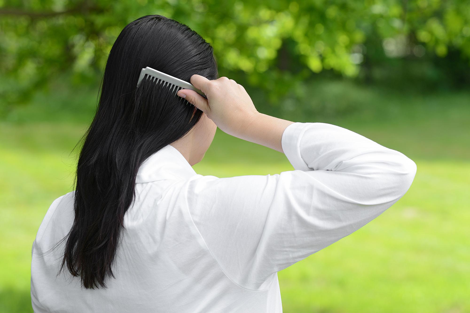 wash-head-kamm-hair-haare-Anna-dabrowski-seife-soap-shampoo-berlin-fotos-fotografie-fotografie-beauty