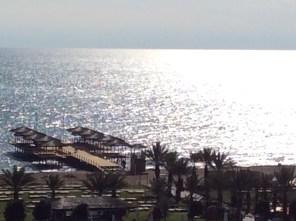 Sonnenstrahlen am Meer