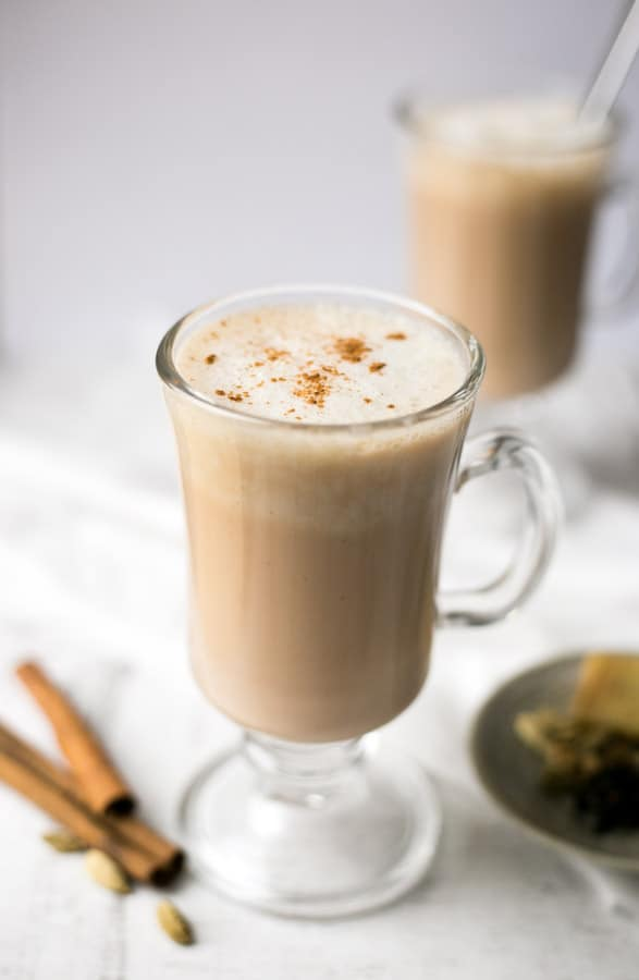 Spicy chai latte made with cashew milk.   via @annabanana.co