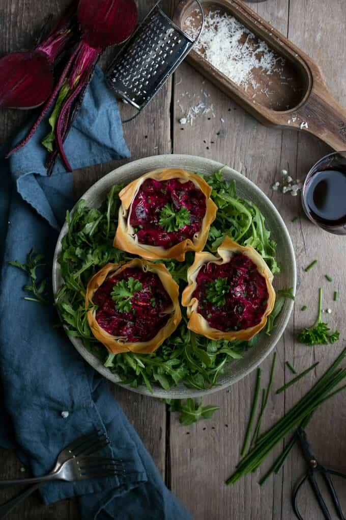 Beetroot and cream cheese filo tarts | via @annabanana.co