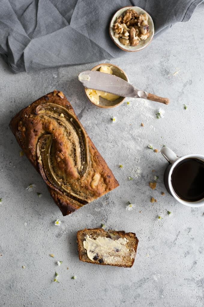 Rustic banana bread with yogurt. Ideal breakfast companion! | via @annabanana.co
