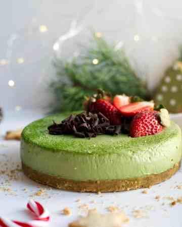 Matcha & ginger cheesecake #vegan #matcha #cheesecake | via @annabanana.co