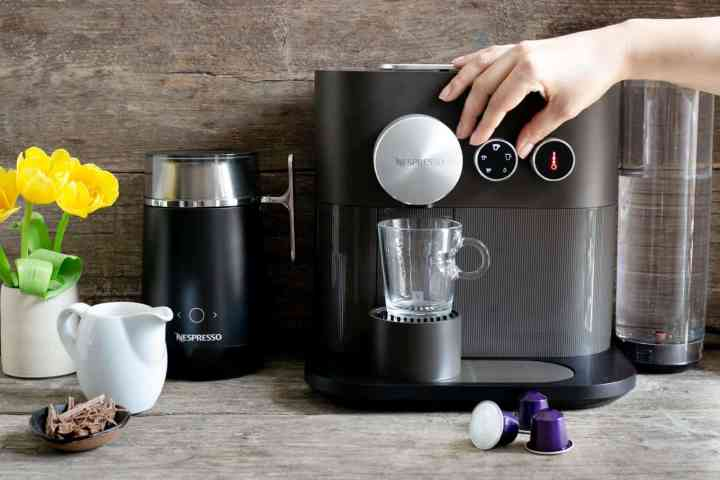 Nespresso Expert coffee machine #coffeelover #coffeerecipes | via @annabanana.co