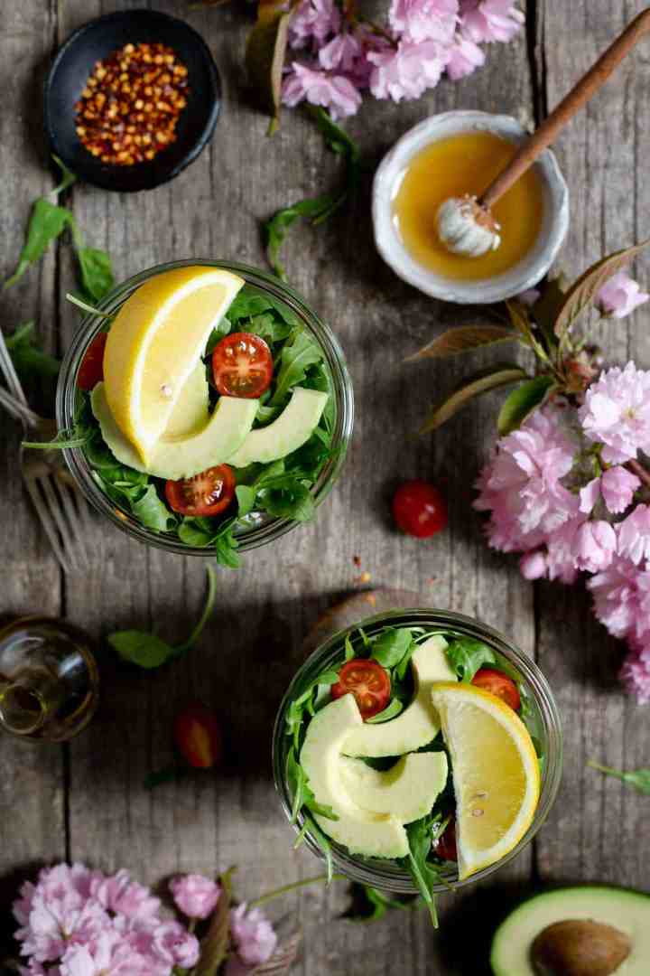 Healthy and super tasty tomato and quinoa salad jars #veganrecipe #glutenfree #dairyfree | via @annabanana.co