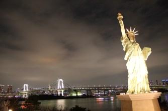 Night shot from Odaiba - view of Rainbow Bridge and Tokyo Tower