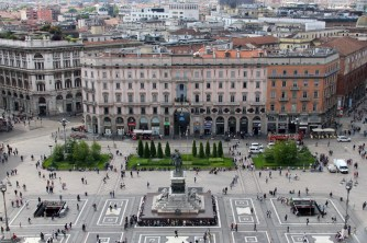 View down of the square in front of the Milan Duomo