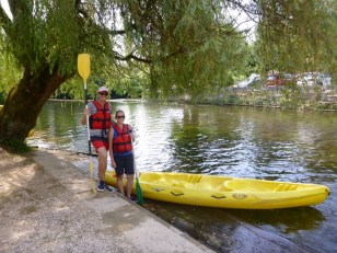 Canoeing to Bourdeilles