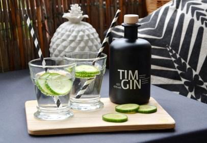 Gin auf dem Mini-Balkon-annablogie