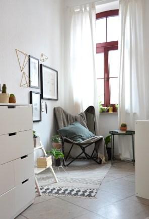 Schlafzimmer-Ecke-mit-Butterflychair-annablogie