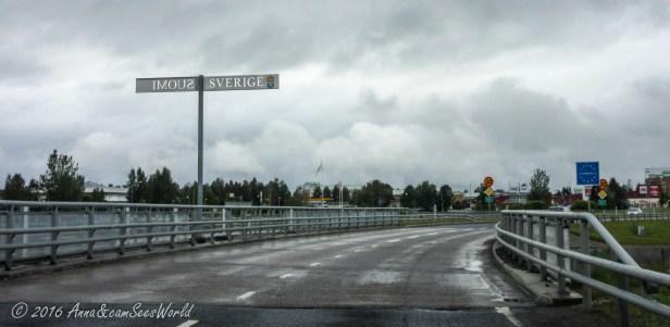 Crossing the border in Tornio