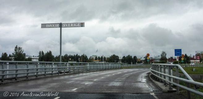 Crossing the border in Tornio