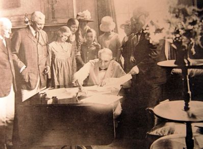 President Warren G. Harding signing the Knox-Porter Resolution at the home of U.S. Sen. Joseph Frelinghuysen in Raritan on July 2, 1921. (PC: Somerset County Historical Society)