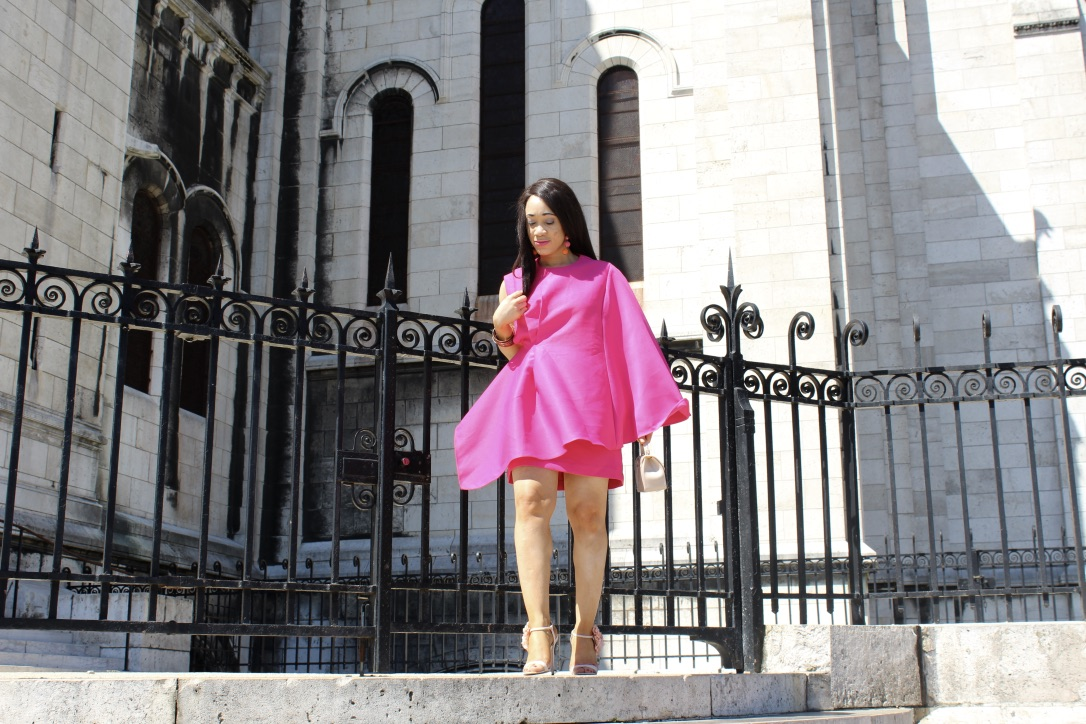 look robe volant rose Montmartre