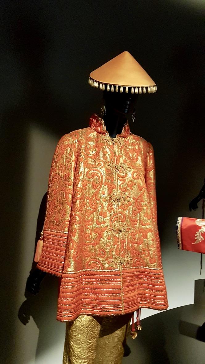 veste musée yves saint laurent