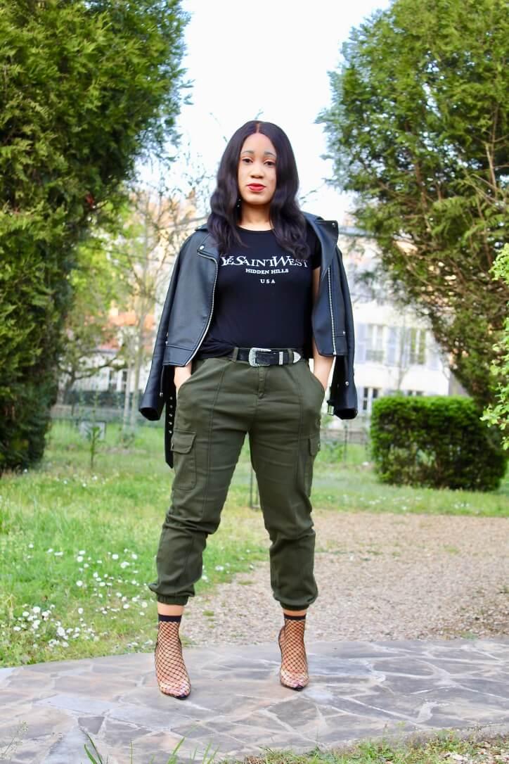 inspiration look pantalon cargo et t-shirt femme luxe
