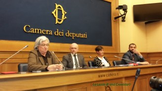 Conferenza stampa di presentazione del libro (da sinistra Rosy Bindi, Davide Mattiello, Annamaria Torre, Marcello Ravveduto)