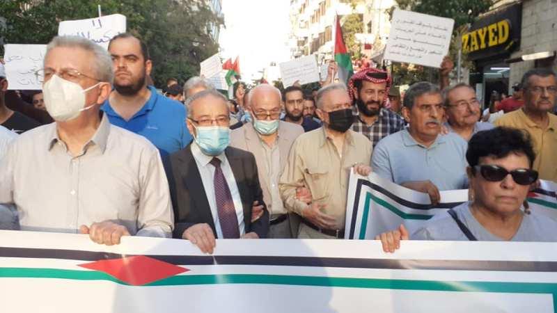 مسيرة مطالبة بإنهاء الاعتقال السياسي وانتهاك الحريات الديمقراطية