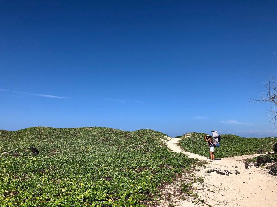 Hiking to Makalawena beach