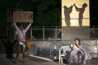 Die Odyssee. Foto: Thomas Kurz. v.l.n.r.: Stefan Fent, Lisa Fuchs. Hintergrund v.l.n.r.: Markus Schramm, Christian Korherr.