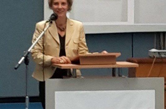"""Verleihung der Auszeichnung """"Schule ohne Rassismus"""" an das Wilhelm-Remy-Gymnasium in Bendorf"""