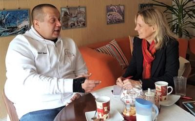 Koblenz aus der Sicht von Menschen mit Behinderungen. Die Landtagsabgeordnete Dr. Anna Köbberling trifft bei ihrer Herbstreise unterschiedliche Menschen mit ähnlichen Problemen