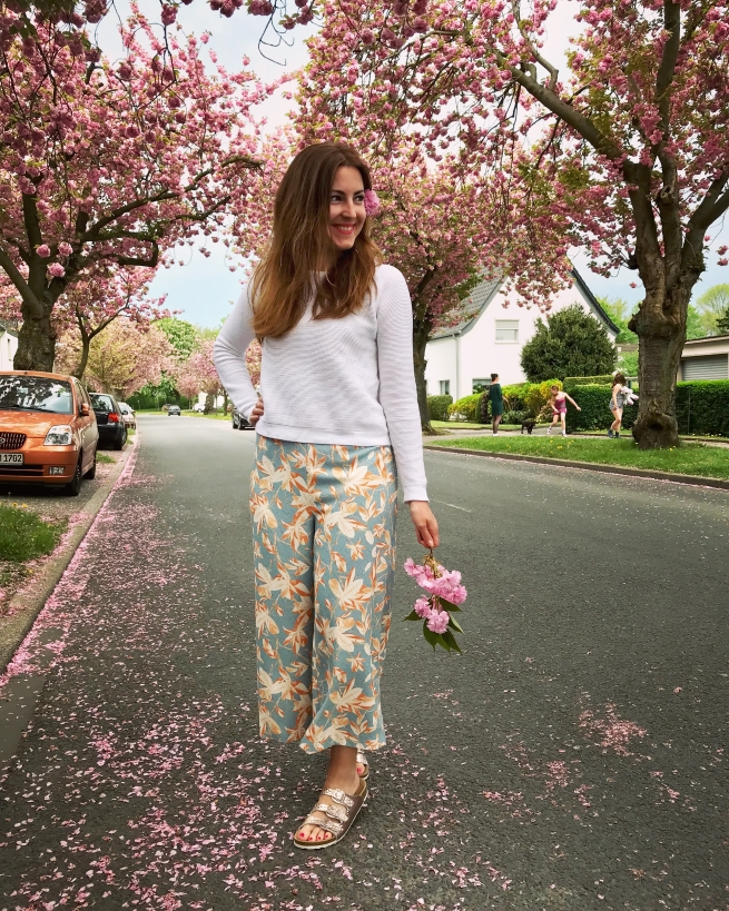 Floral Outfit Pullover Hallhuber About You Frühling Annalena Loves