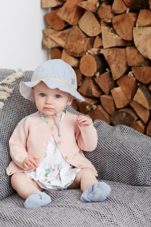 Annaliv-Midsommar-Hat-Summer Suit-Booties