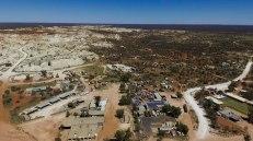 Mintabie e le miniere (Immagine estratta da una ripresa aerea con drone. Video e Foto: Simone Chiesa)