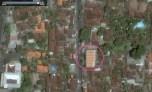 Un esempio di quanto appena detto. Strada Jl. Danau Toba, 02 settembre 2016. È sufficiente vedere la copertura del nuovo edificio sorto dopo l'abbattimento di quello storico per capire che, l'attuale costruzione, è completamente fuori luogo (immagini tratte da google maps)